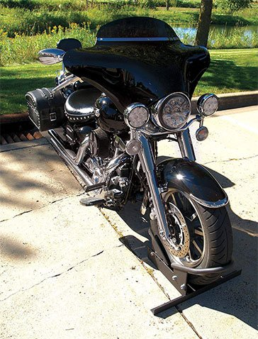 Extreme Max Wheel Chock Locked in Motorcycle Wheel